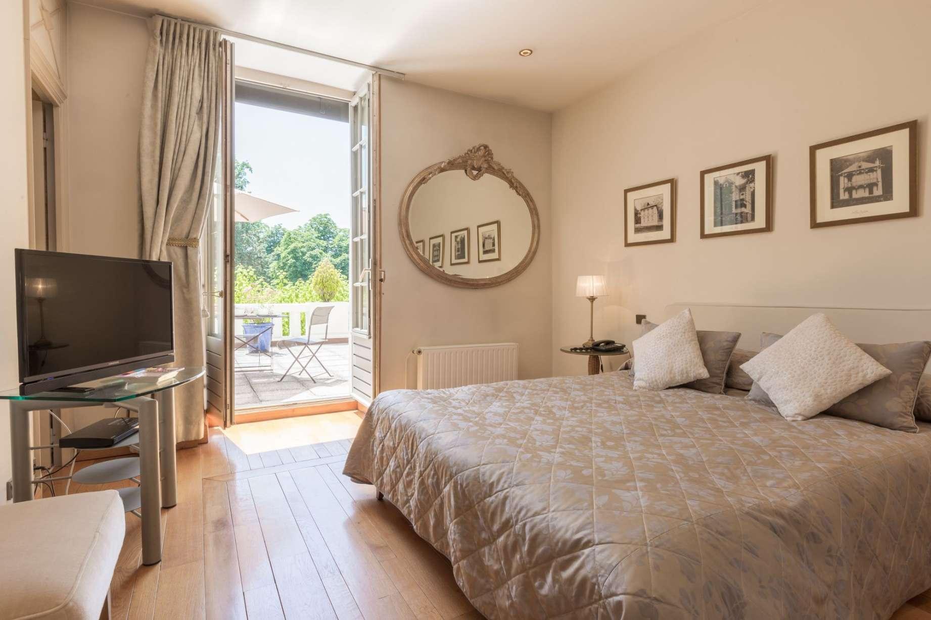 grand hotel uriage h tel spa 4 toiles en is re site officiel. Black Bedroom Furniture Sets. Home Design Ideas